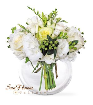 white serenity flower arrangement